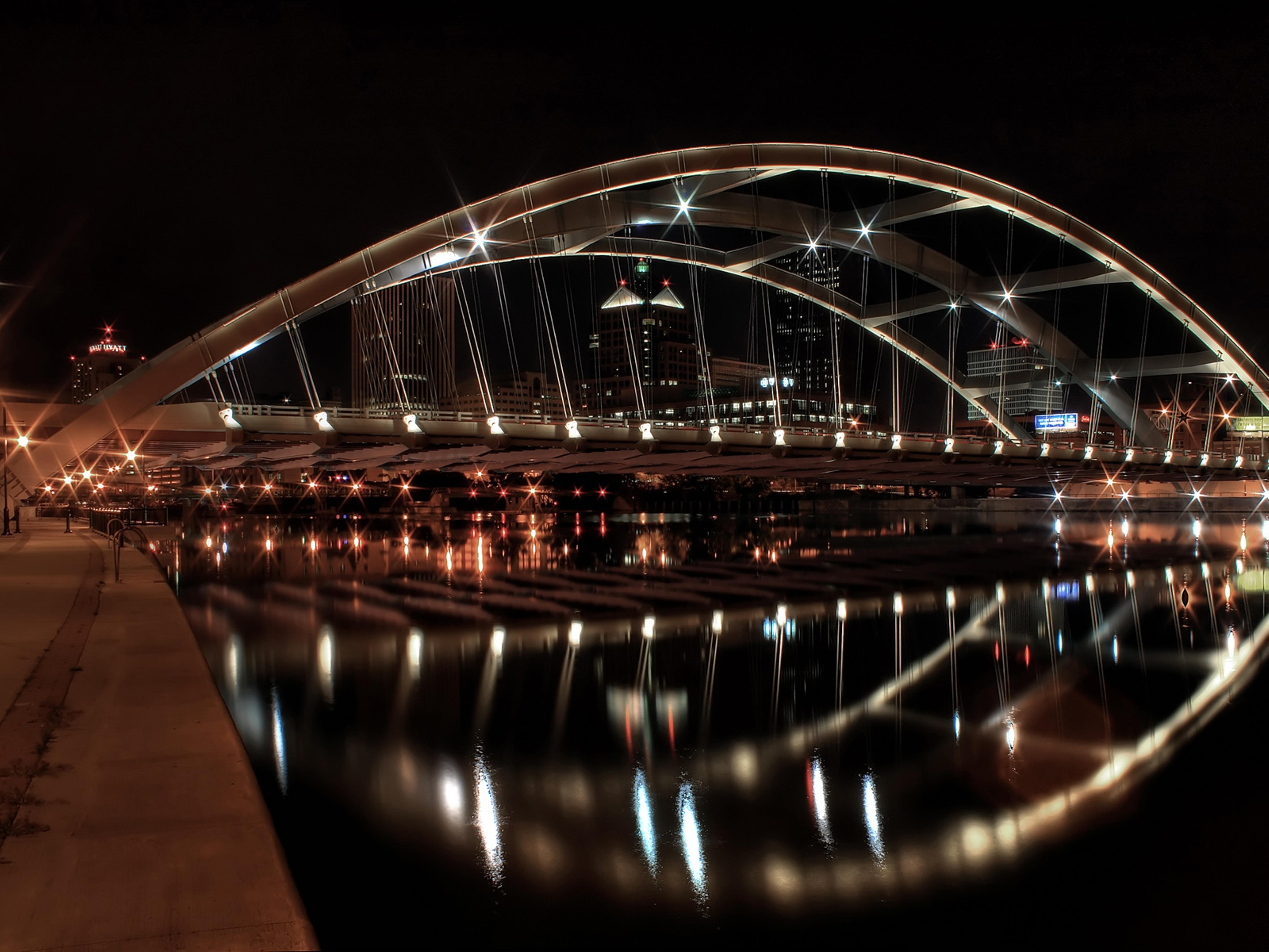 Ссут под мостом 14 фотография