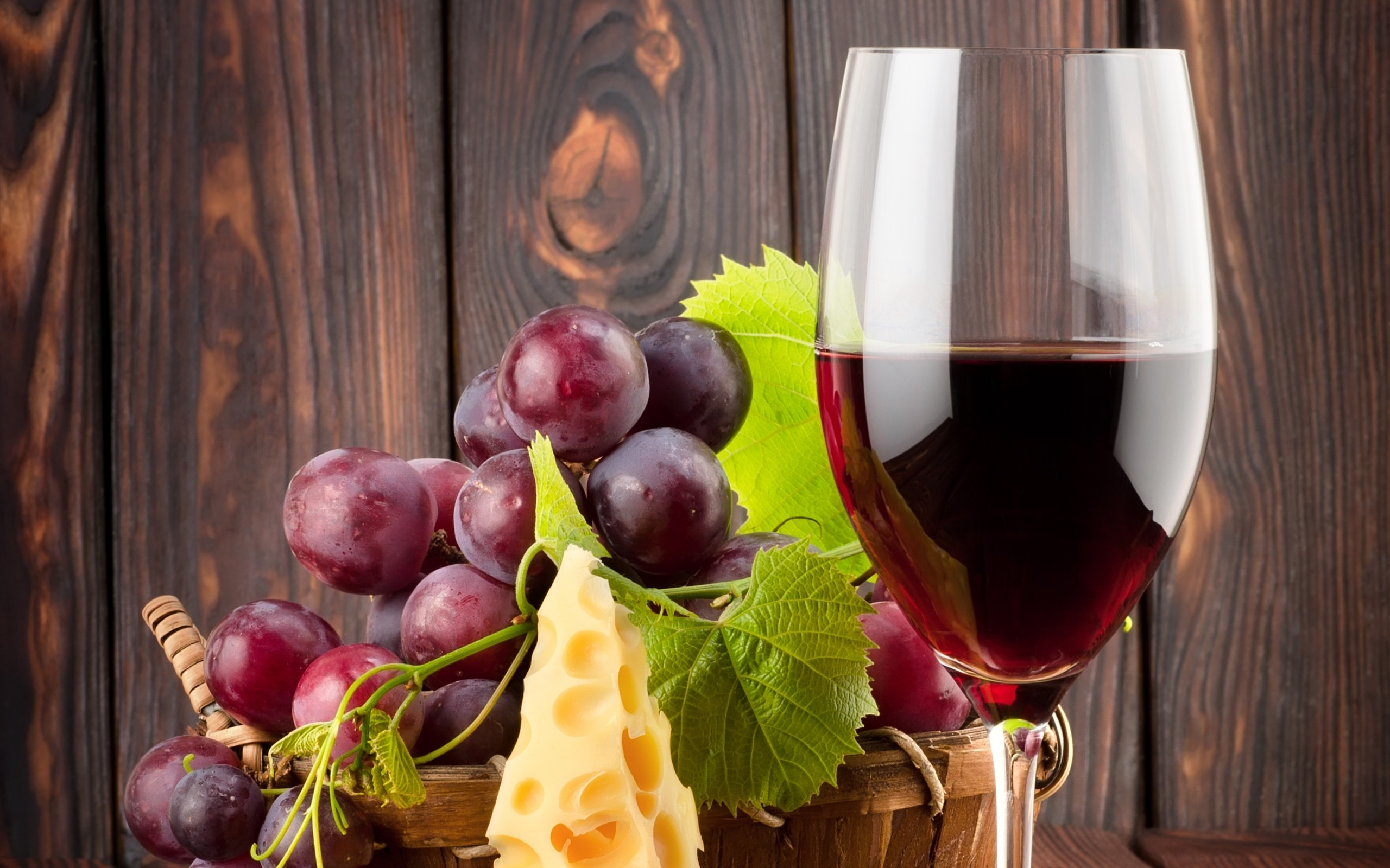 Красное виноградное виноы