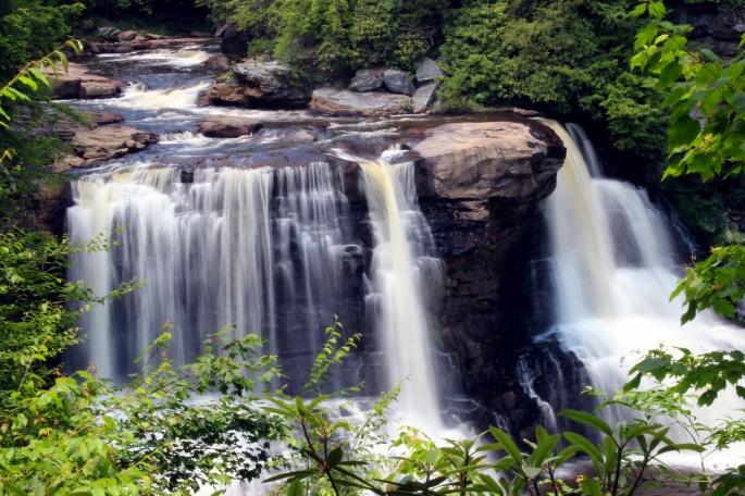 Водопады (117 обоев)