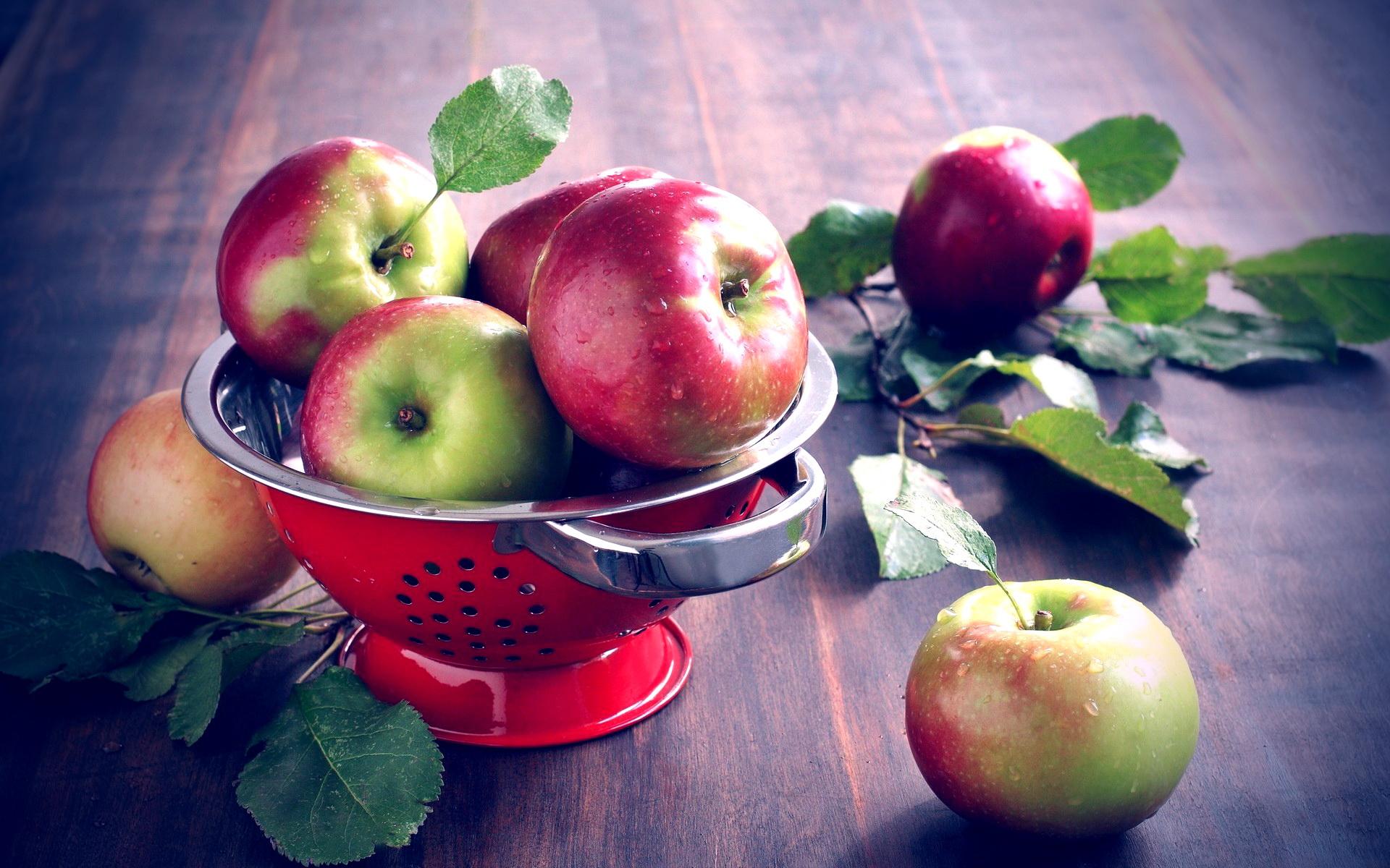 картинки яблоки на столе садового посадка
