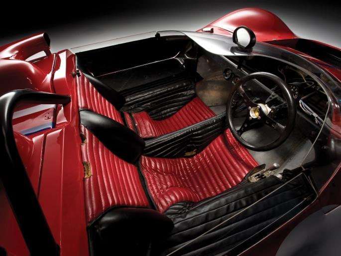 Интерьер автомобиля Ferrari (70 обоев)