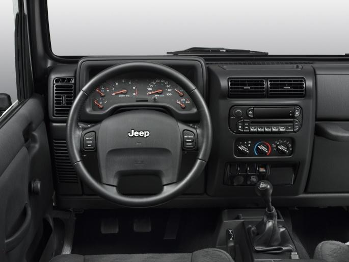 Интерьер автомобиля Jeep (27 обоев)