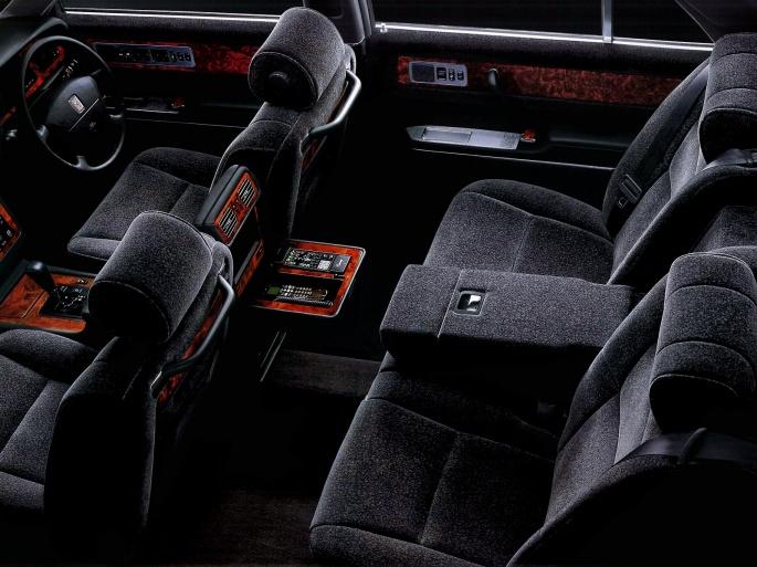 Интерьер автомобиля Toyota (103 обоев)
