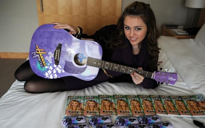 Miley Cyrus (Майли Сайрус) (175 обоев)
