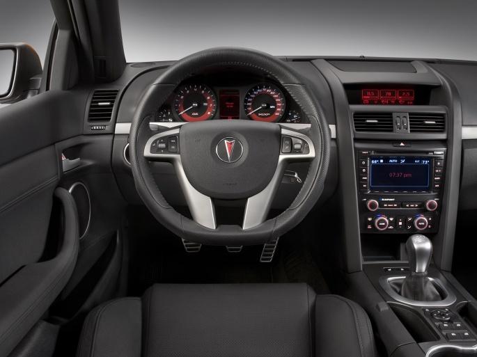 Интерьер автомобиля pontiac 38 обоев