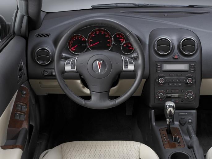 Интерьер автомобиля Pontiac (38 обоев)