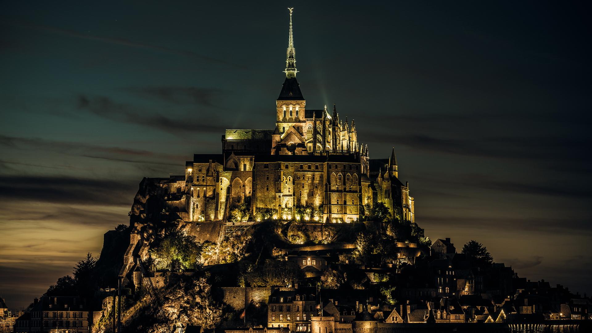 Замок ночью обои на рабочий стол