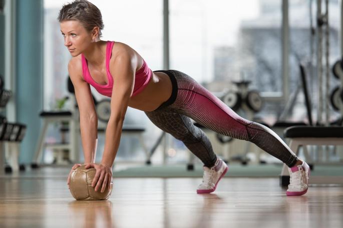 Спортивные девушки. Sport girls 2 (65 обоев)