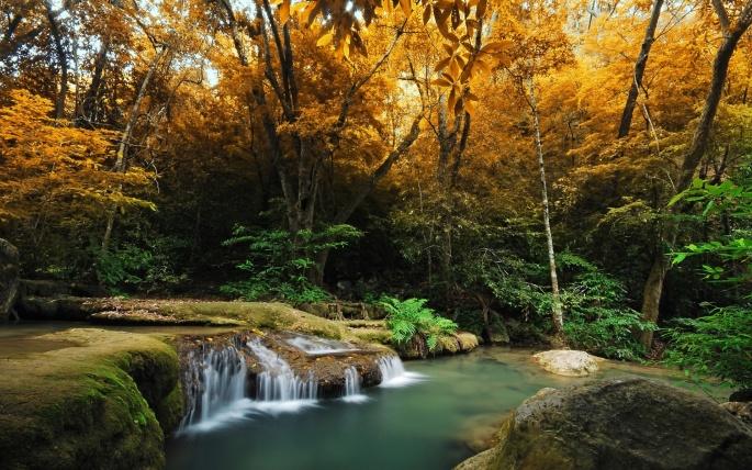Осенние водопады (60 обоев)
