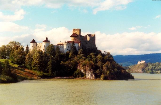 Замки (150 обоев)