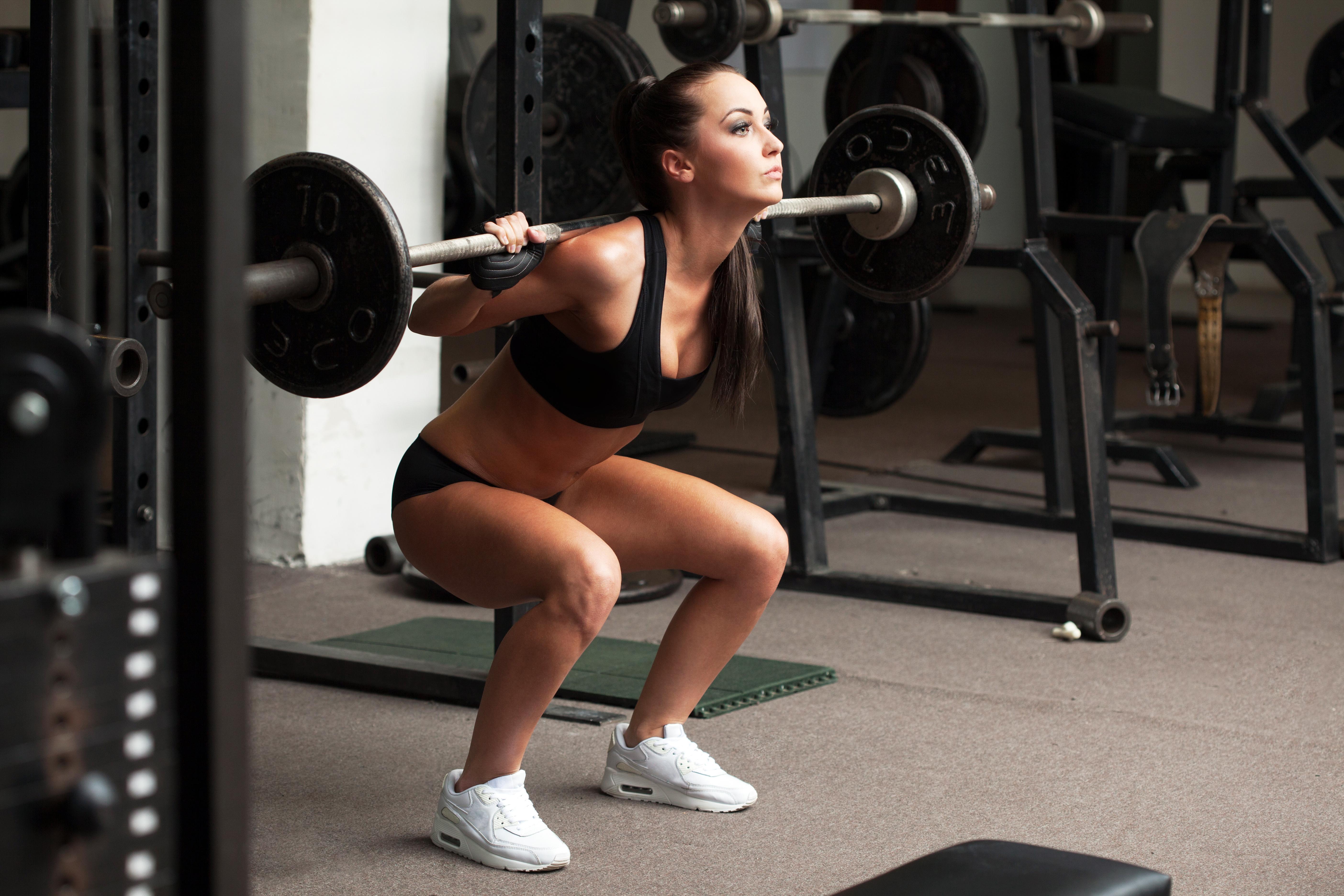 Girl weight lifting wallpaper