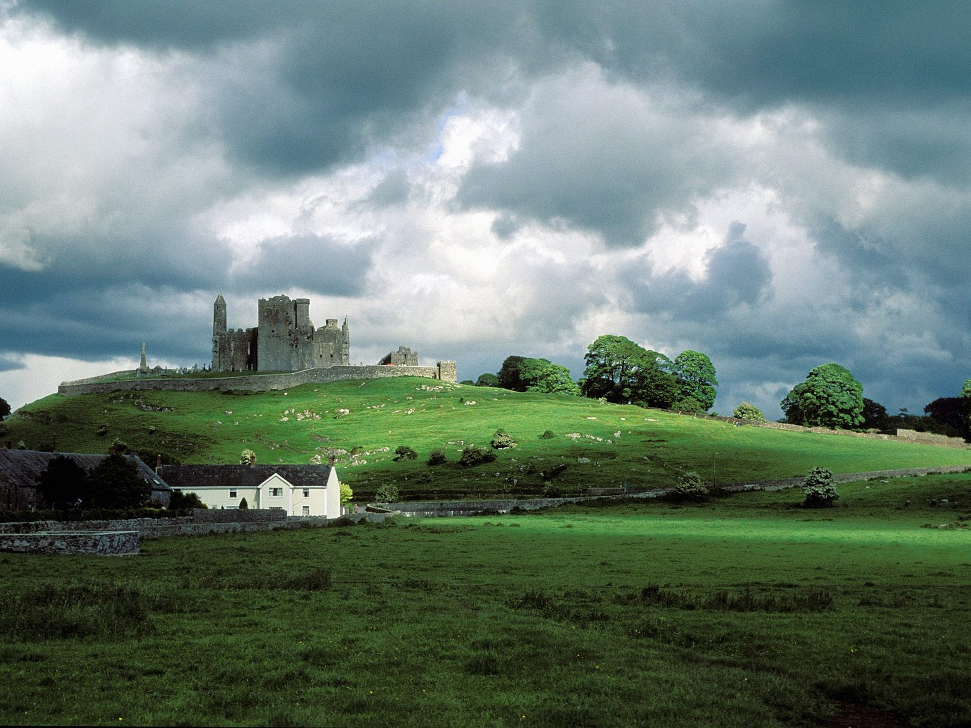 an overview of the inspiring green land of ireland